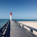 Le phare de Trouville et son ponton